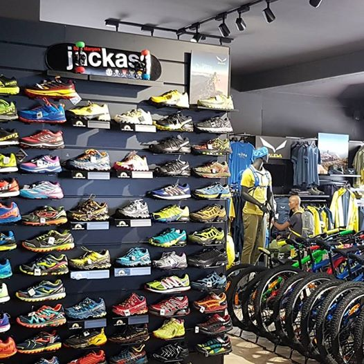 Acquista negozio scarpe sportive - OFF50% sconti 139211eb614